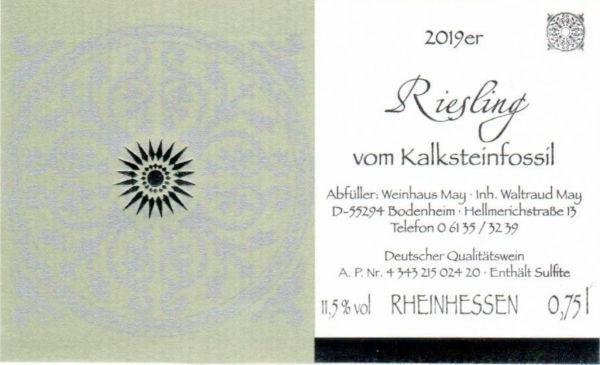 Weinhaus May Riesling vom Kalksteinfossil